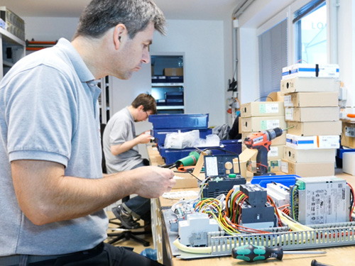 Elekronik wird bei uns im Haus produziert